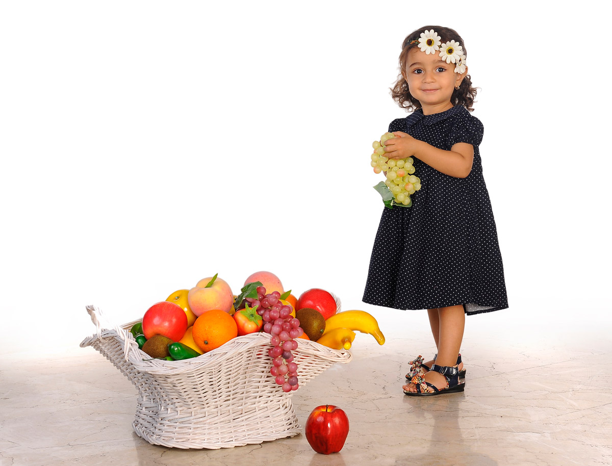 عکس کودک بالای یک سال