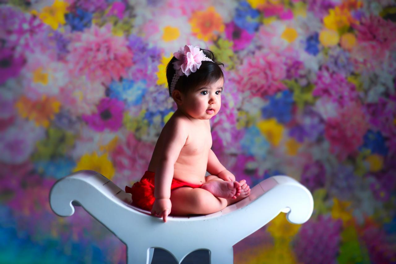 عکاسی نوزاد دختر در آتلیه کودک