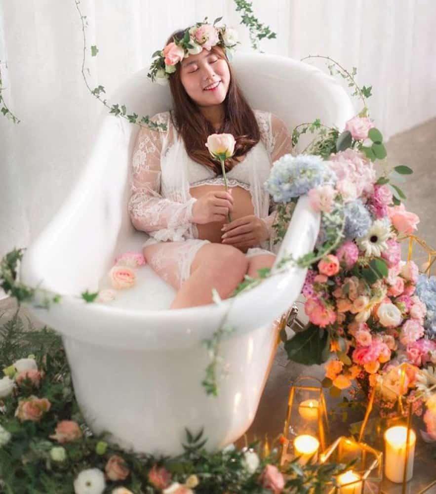 مدل عکس حاملگی در آتلیه بارداری