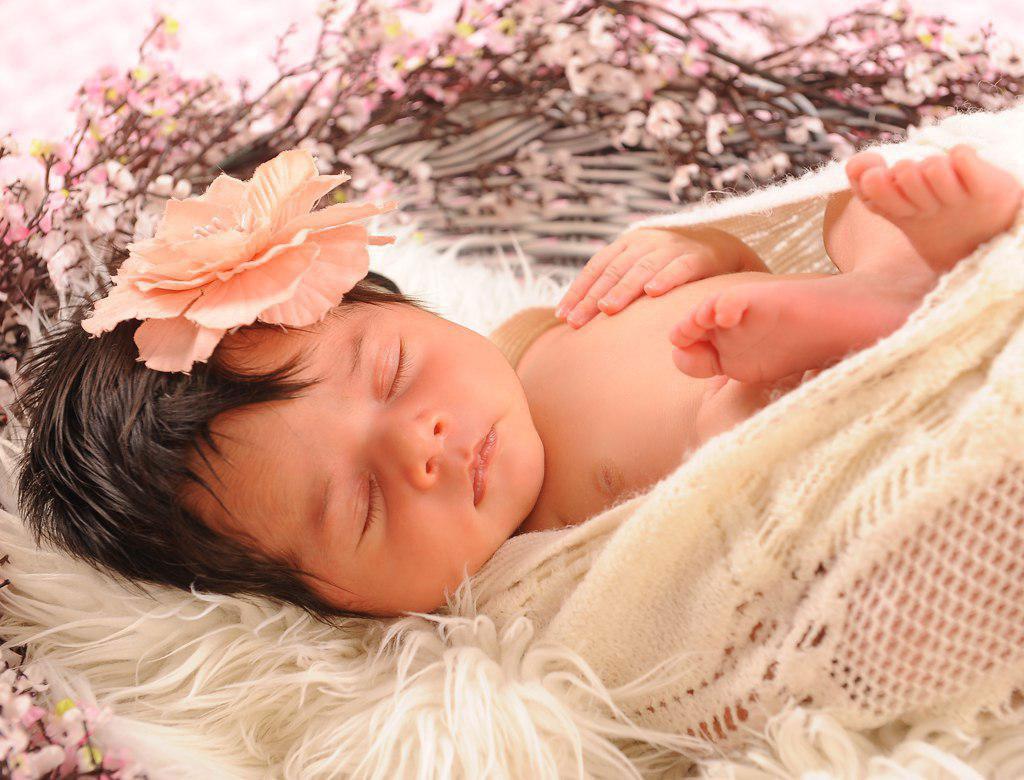 زمان مناسب برای عکاسی تخصصی نوزاد چه وقتی است؟