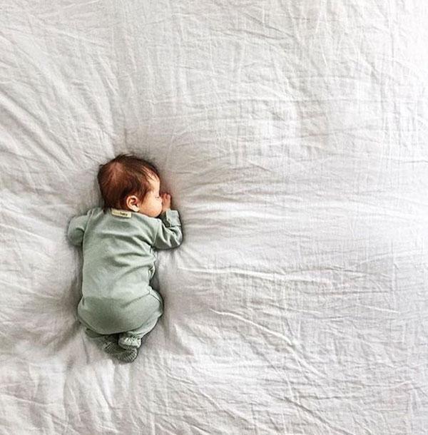 خلاقیت عکاسی نوزاد در منزل