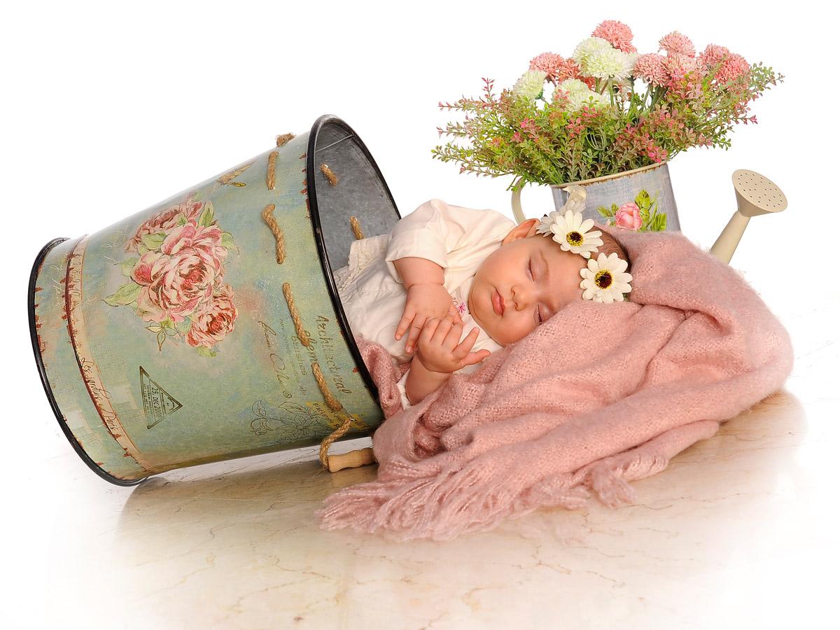 نکات کلیدی عکاسی نوزاد و کودک در آتلیه کودک و نوزاد