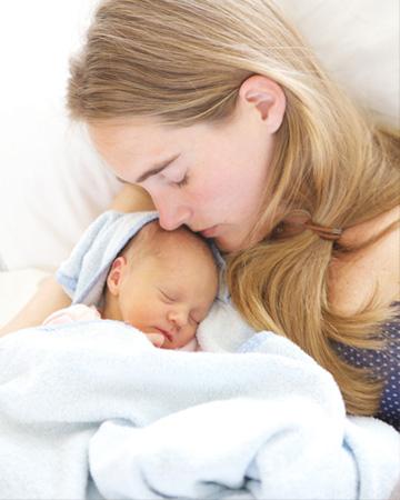عکس مادر و کودک در آتلیه کودک