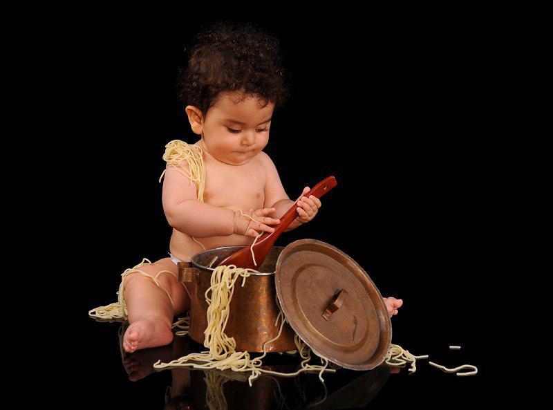 عکاسی کودک هنگام بازی