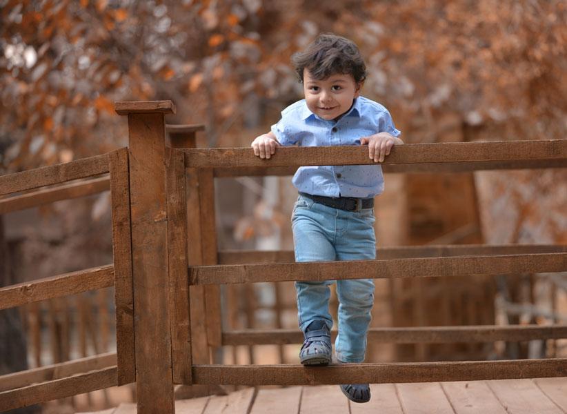 اصول عکاسی کودک در فضای باز