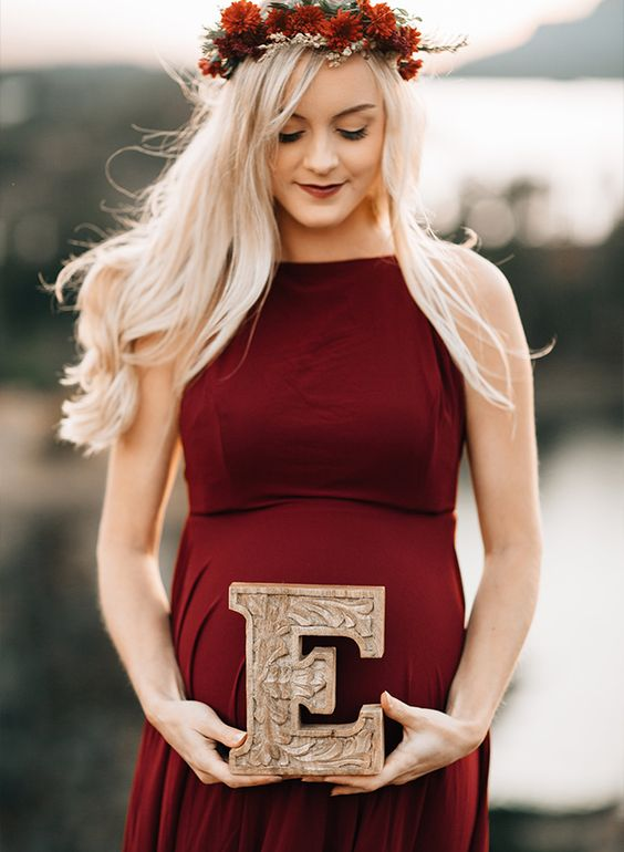 در آتلیه بارداری برای عکاسی بارداری چه بپوشیم ؟