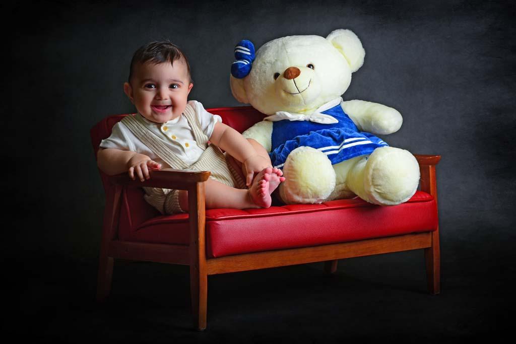 عکاسی کودک از آقا رادین در آتلیه کودک